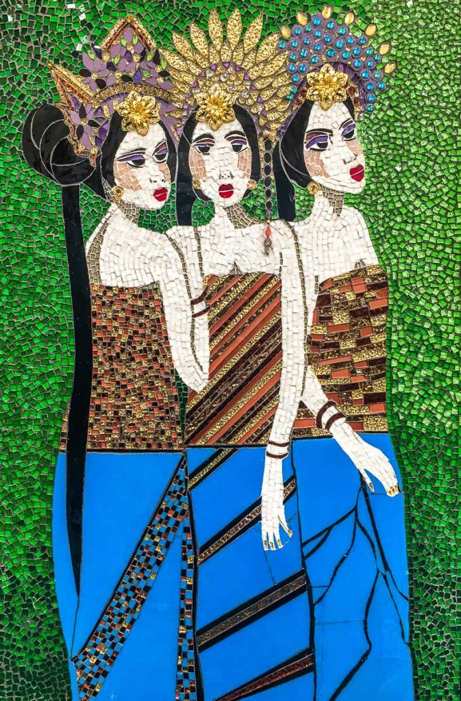 Bali Girls by Janice Adams Materials: Stained glass
